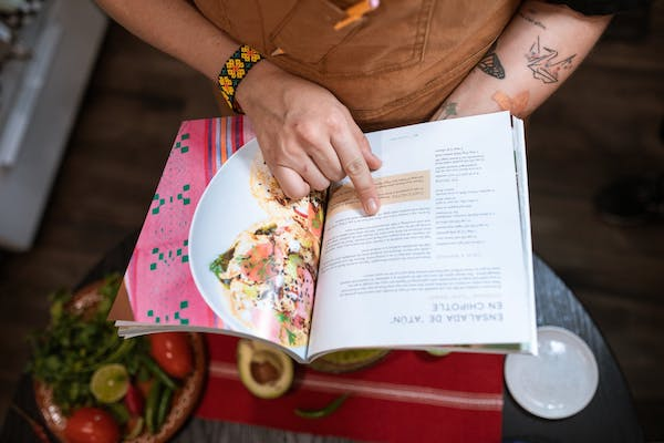 A cookbook for gift ideas and experience gifts